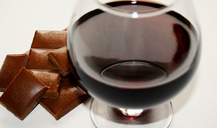 Study: Eating Chocolate and Drinking Red Wine Could Help Prevent Aging
