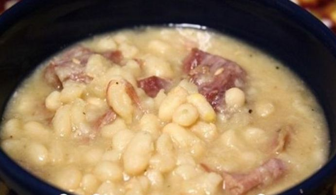 4-Ingredients Crock Pot Great Northern Beans