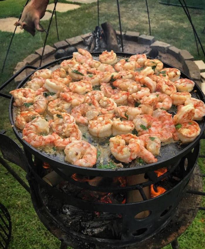 Shrimp with butter, garlic, cilantro and tequila